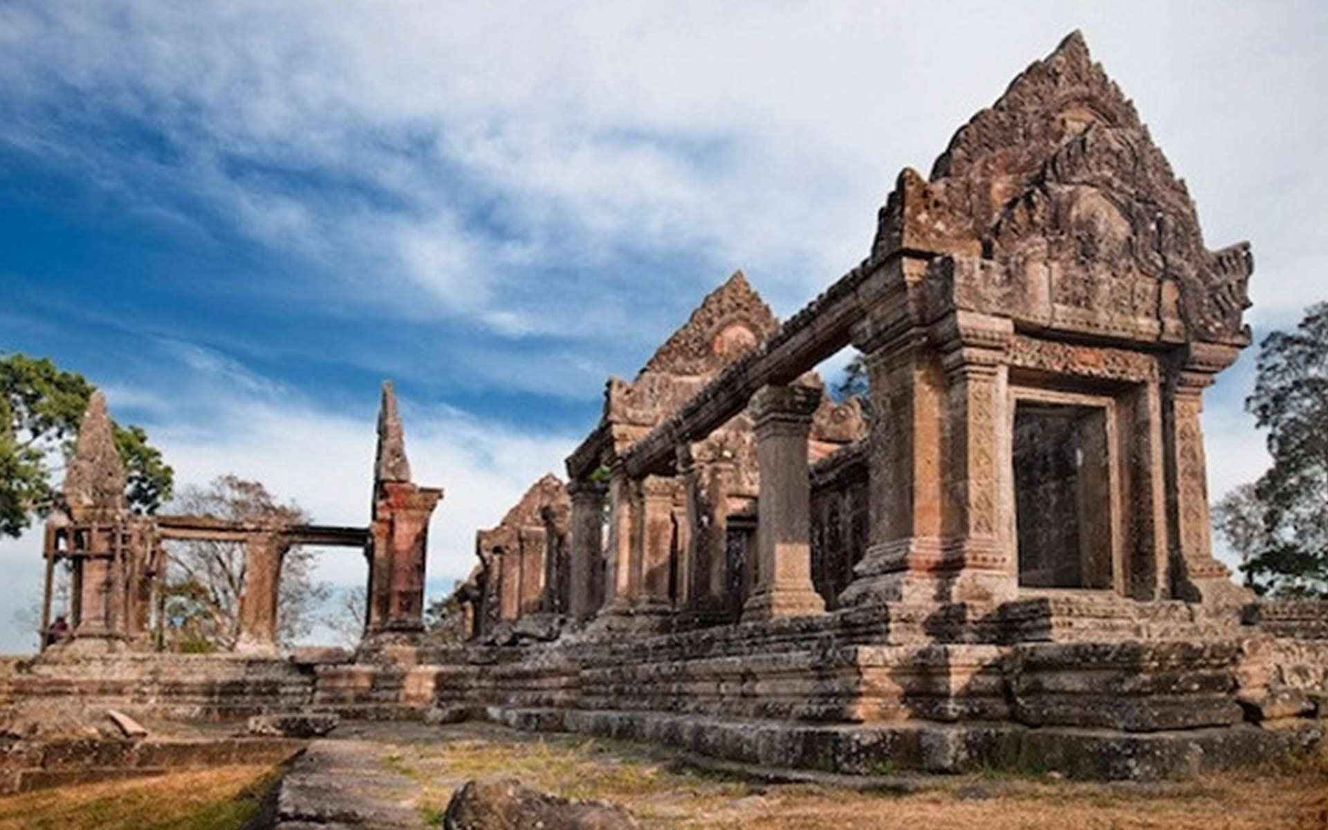 10 interesting attractions in Cambodia beside Angkor Wat